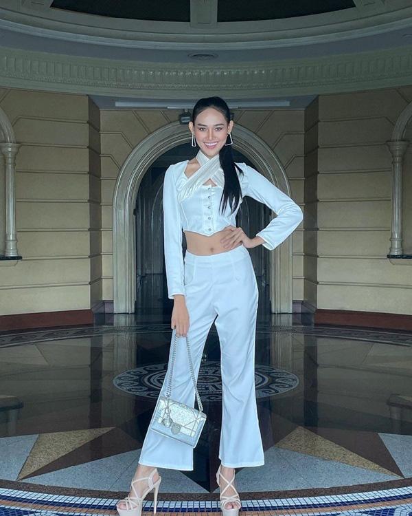 Nhan sắc Hoa hậu Hòa bình Myanmar bị truy nã - Ảnh 14.