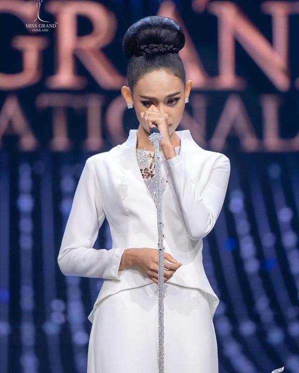 Nhan sắc Hoa hậu Hòa bình Myanmar bị truy nã - Ảnh 4.