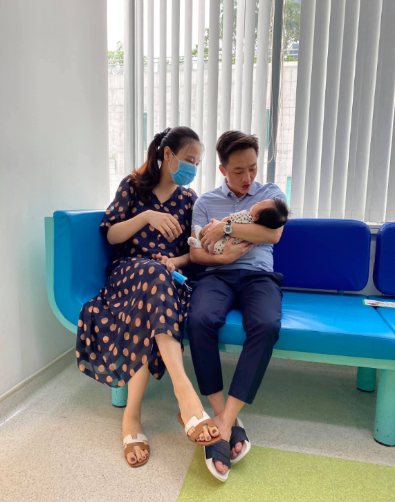 Cuộc sống bỉm sữa của Cường Đô La và Đàm Thu Trang: Từ tay chơi siêu xe có tiếng đến ông bố quần đùi, áo phông chăm con thay vợ - Ảnh 12.