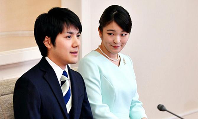 Bê bối liên tiếp bủa vây gia đình hôn phu Công chúa Nhật Bản