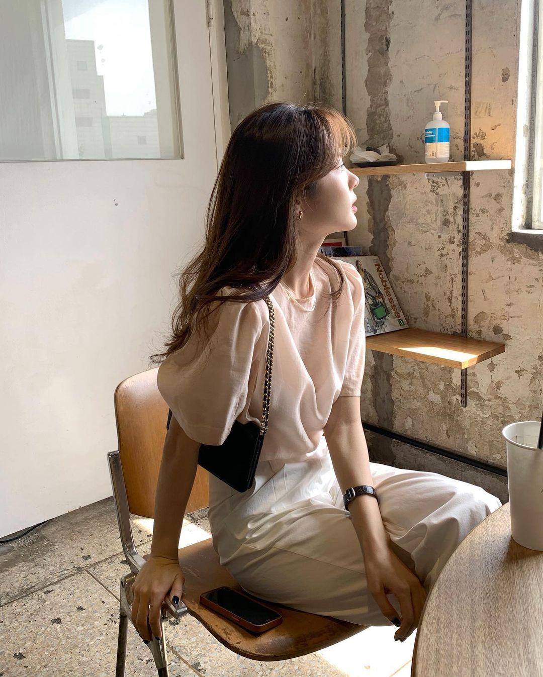 Cải thiện tình trạng tóc rụng như là mùa Thu với 4 tips không tốn một xu từ bác sĩ Hàn Quốc - Ảnh 1.