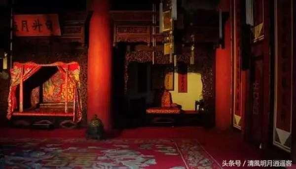 Tròn mắt khi hiểu lý do khiến các Hoàng đế chỉ ngủ phòng có 10m2 dù 'có cả thiên hạ trong tay' - Ảnh 3.