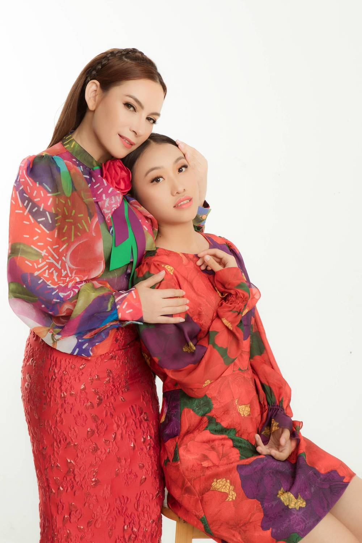 Con gái nuôi Phi Nhung: Suốt đời mẹ làm việc không cần tung hô, mất đi lại bị chửi vì 200 triệu - Ảnh 1.