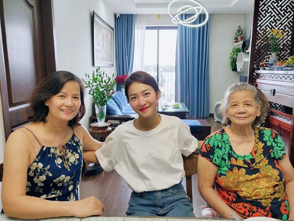 """Đời thực của nàng Tuệ Nhi """"11 tháng 5 ngày"""" vừa gây bão khi đến thăm nhà Thanh Sơn ở Hà Nội - Ảnh 5."""
