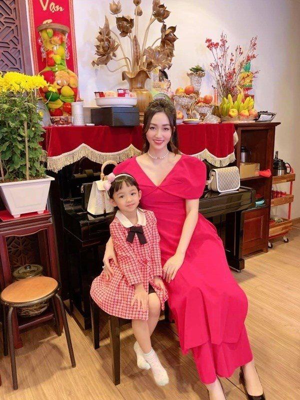 2 chị em gái cùng trở thành Á hậu, lấy chồng đại gia, sống nơi người thường không có được - Ảnh 7.