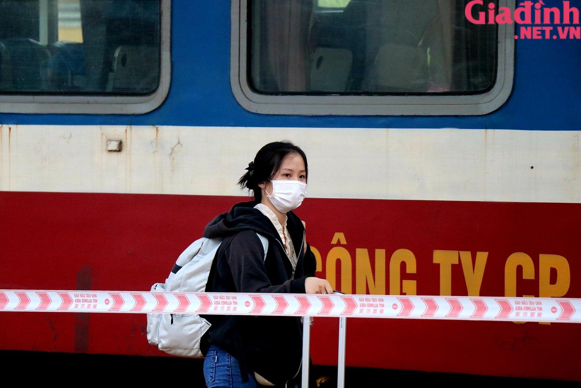 """Chuyến tàu """"yêu thương"""" đưa hàng trăm công dân Thừa Thiên Huế từ TP. HCM về quê - Ảnh 5."""