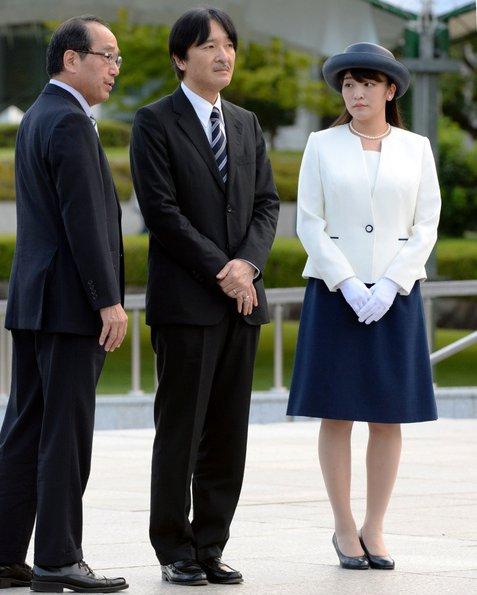 Công chúa Nhật khiến dân chúng buồn lòng vì cưới thường dân: Từng là viên ngọc quý được yêu mến giờ chỉ thấy gượng cười mỗi lần xuất hiện - Ảnh 6.