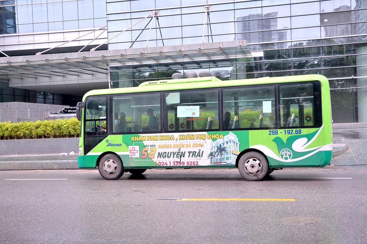 Những chuyến xe không người trong ngày đầu các tuyến buýt Hà Nội hoạt động trở lại - Ảnh 5.