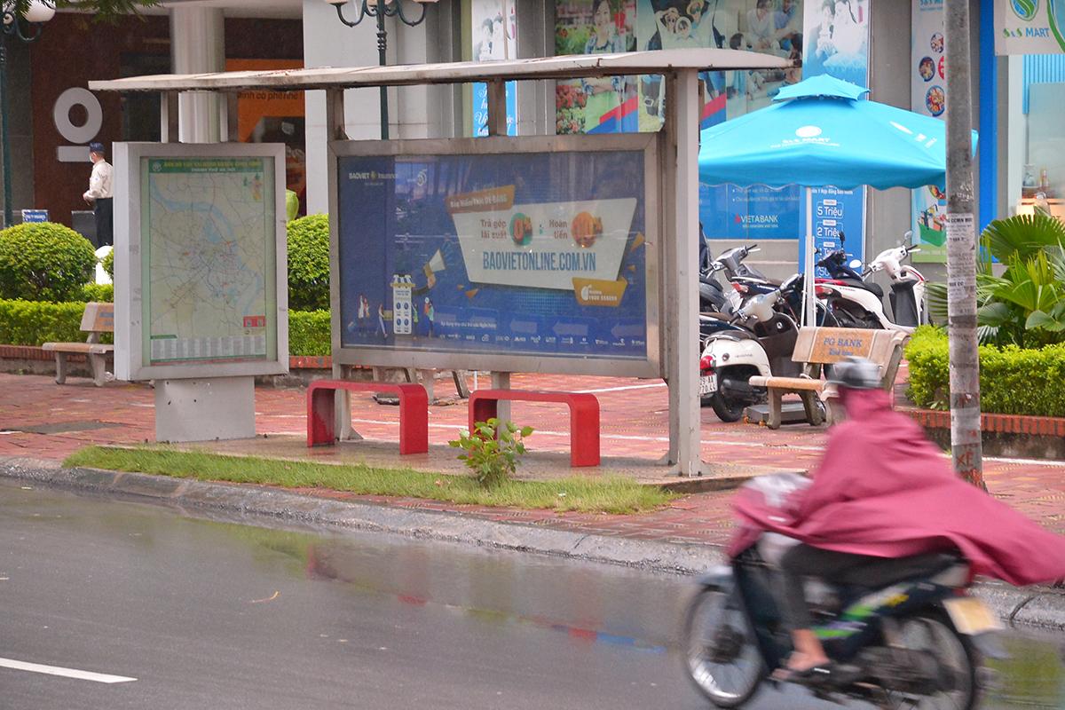 Những chuyến xe không người trong ngày đầu các tuyến buýt Hà Nội hoạt động trở lại - Ảnh 4.