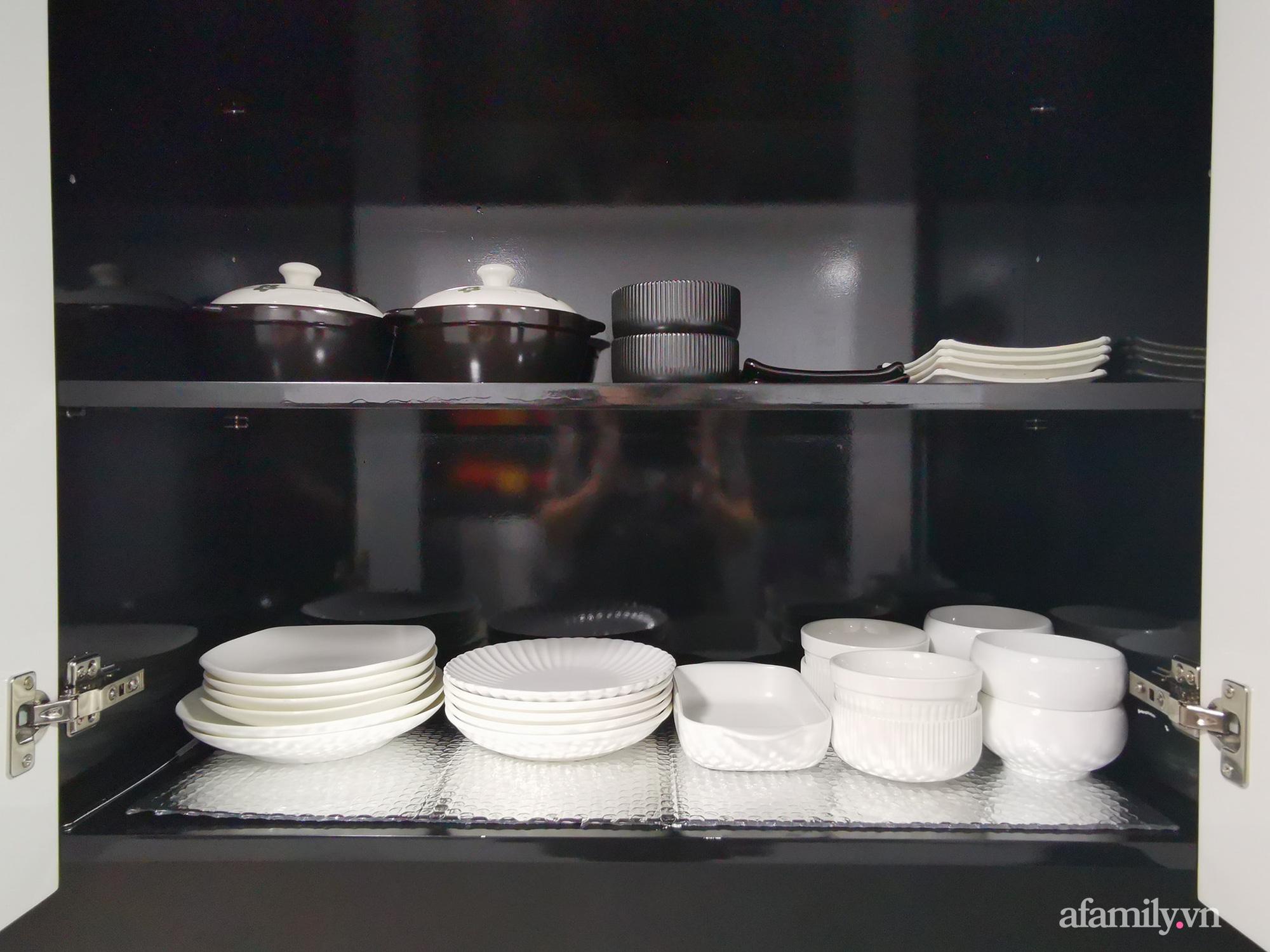 """Căn bếp 13m2 chứa """"tỉ thứ đồ"""" bên trong nhờ thiết kế """"hệ giấu"""" thông minh của người phụ nữ Hà Nội - Ảnh 8."""