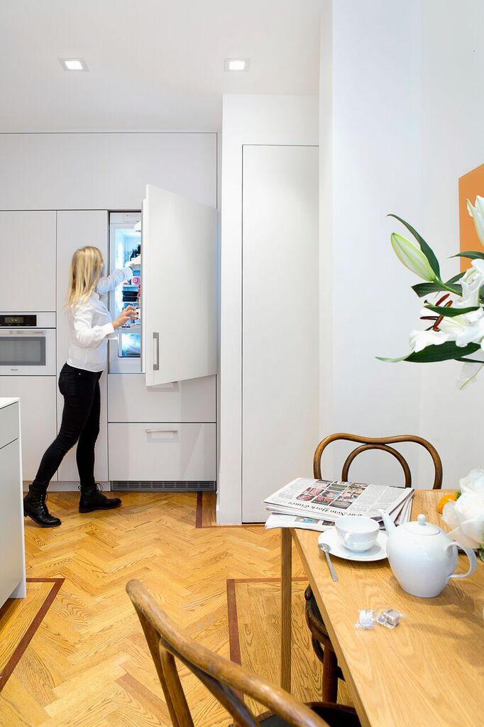 Nhà bếp nhỏ đa chức năng của căn hộ này khiến ai thấy cũng mê - Ảnh 12.