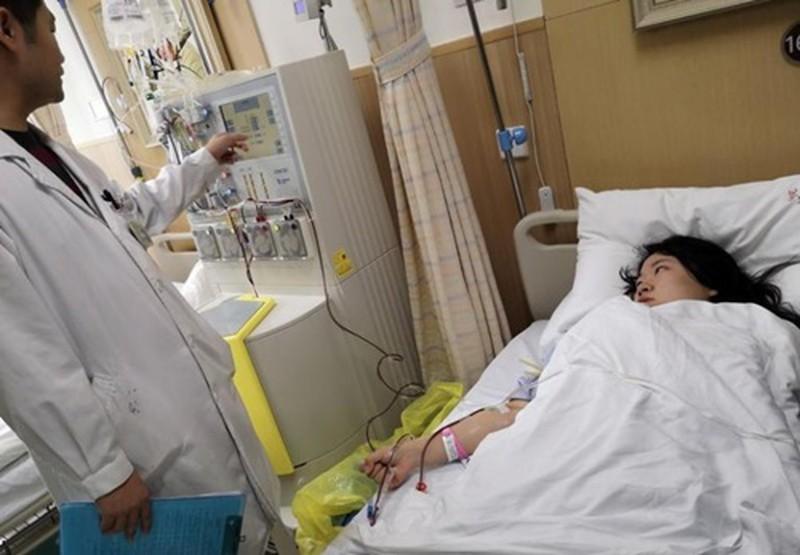 Uống sữa mỗi ngày trước khi ngủ, cô gái qua đời vì ung thư - Ảnh 1.