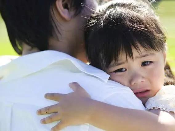 Mang bực bội ở công ty về khiến con gái bị đòn oan và cách sám hối đơn giản ở nhà - Ảnh 3.