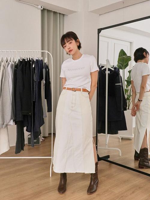Hè đến rồi, học 2 cách phối áo thun trắng đến công sở đơn giản mà vẫn chất lừ - Ảnh 9.