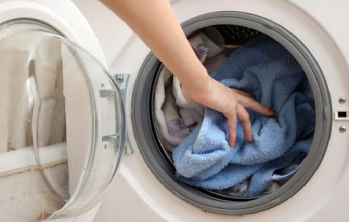 Những mẹo giúp tăng tuổi thọ cho máy giặt không nên bỏ qua - Ảnh 1.