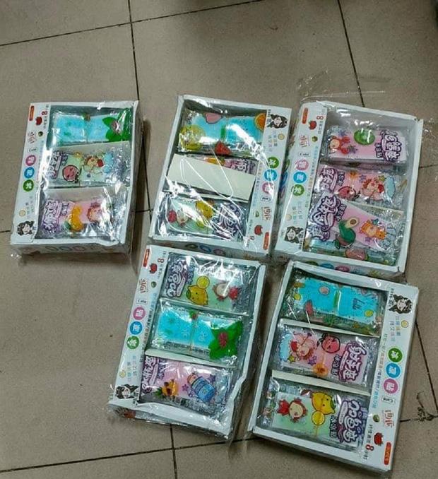 Hé lộ chất liệu đồ chơi khiến hơn 30 học sinh tiểu học cấp cứu - Ảnh 1.