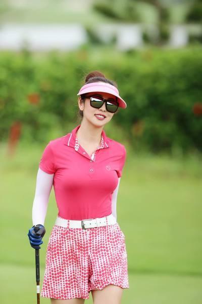 Hoa hậu Jennifer Phạm xinh đẹp và viên mãn tuổi 36 - Ảnh 17.