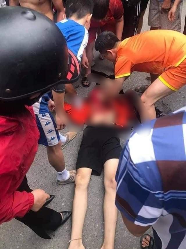 Xác định 5 người liên quan đến vụ nam sinh lớp 9 bị đâm tử vong sau trận bóng đá - Ảnh 1.