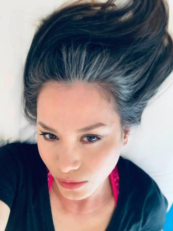 Ngỡ ngàng nhan sắc Hoa hậu Ngọc Khánh khi trở về Việt Nam - Ảnh 3.