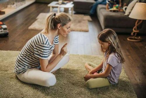 Bí quyết thu hẹp khoảng cách giữa cha mẹ và con cái - Ảnh 2.