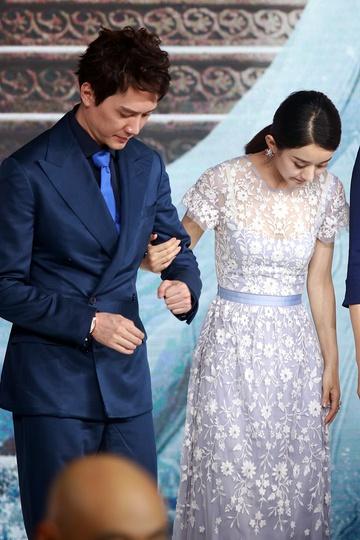 Hôn nhân Triệu Lệ Dĩnh và Phùng Thiệu Phong rạn nứt ngay sau cưới - Ảnh 2.