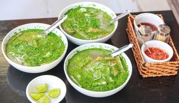 Đặc sản bánh canh nức tiếng Phú Yên rẻ mà ngon líu lưỡi - Ảnh 1.