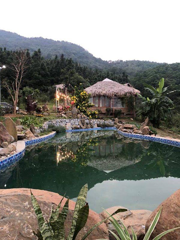 Cơ ngơi đẹp lạ lùng tại khu nhà nghỉ dưỡng của ca sĩ Việt Hoàn - Ảnh 4.