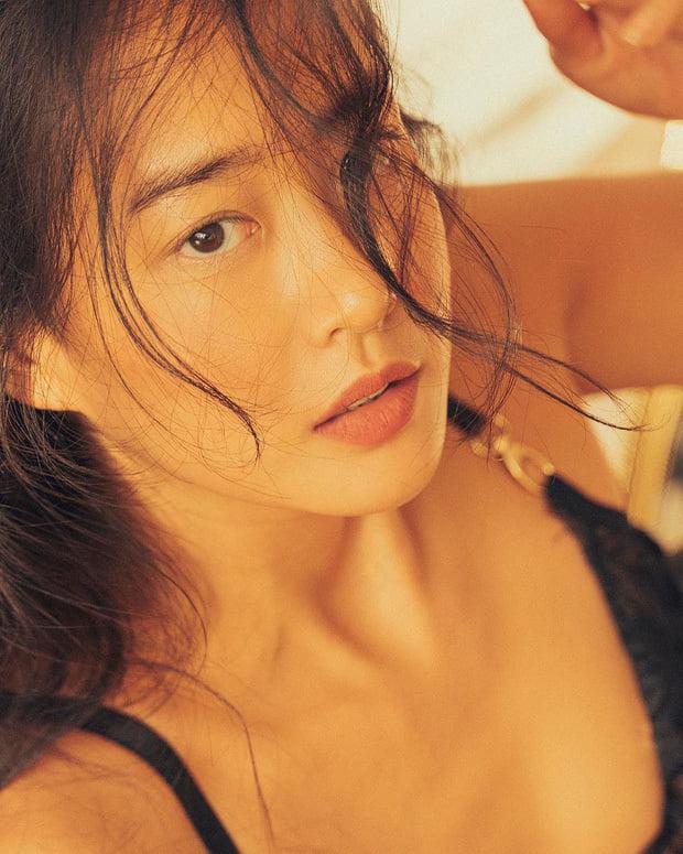 Vẻ đẹp da nâu ngực mỏng của nữ chính trong MV Trốn tìm của Đen Vâu - Ảnh 3.