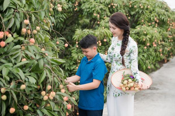 MC, Á hậu Thuỵ Vân được bà con nông dân Hải Dương trao danh hiệu đại sứ vải Thanh Hà - Ảnh 4.