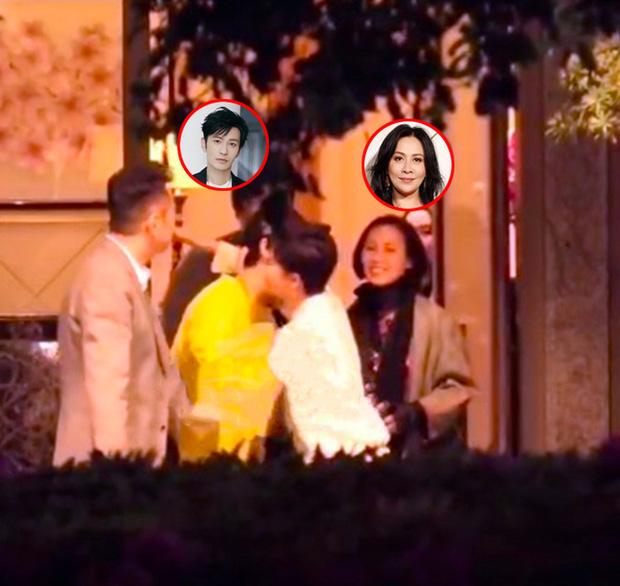 Angela Baby vừa tiết lộ bị Lưu Gia Linh ngó lơ, cánh săn ảnh lại tóm được Huỳnh Hiểu Minh thân thiết đi ăn tối cùng bà xã Lương Triều Vỹ - Ảnh 1.
