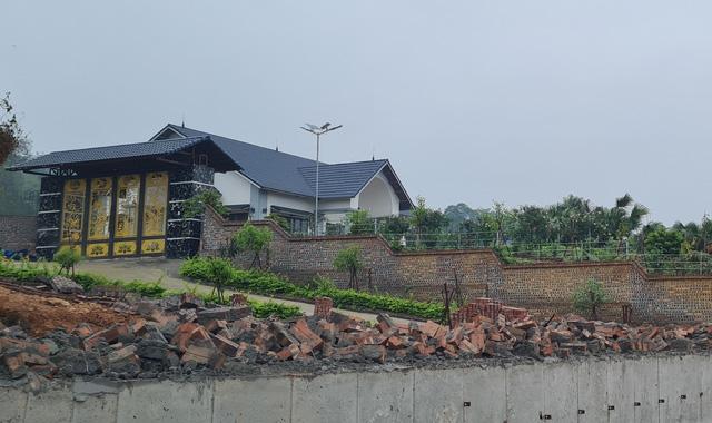Phó Thủ tướng yêu cầu Vĩnh Phúc xử lý dứt điểm tình trạng xây biệt thự trên đất công - Ảnh 2.