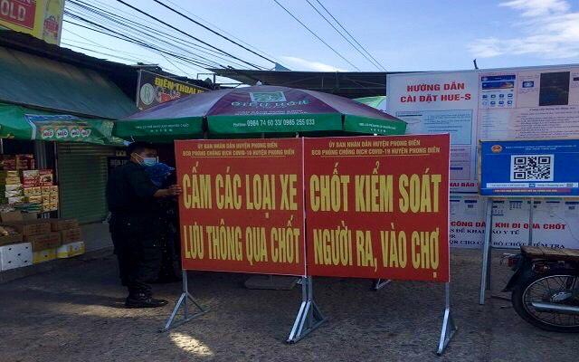Thua Thien Hue 2 ایست بازرسی برای ورود و خروج به بازار An Lo ایجاد کرده است ، اسکن کد QR اعمال می شود - عکس 3.