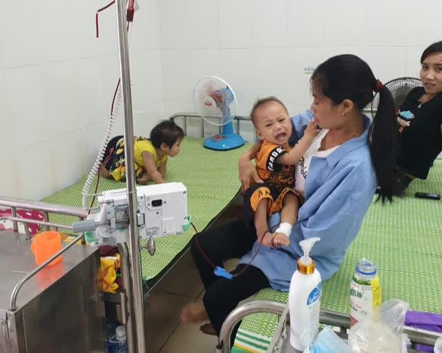 Rơi vào cảnh túng quẫn, vợ chồng nghèo khẩn thiết cầu xin sự sống cho hai con cùng mang bệnh tan máu bẩm sinh - Ảnh 3.