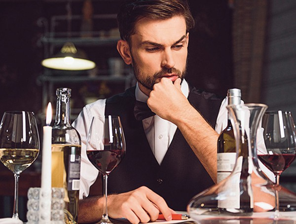 Việc nhẹ lương cao: Chỉ ăn rồi ngồi thử rượu cũng bỏ túi cả đống tiền - Ảnh 2.