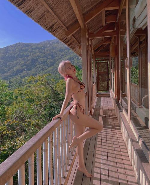 Sao Việt chuộng bikini mini - Ảnh 4.
