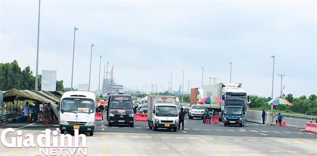 Hình ảnh ngày đầu tái lập chốt kiểm soát phòng chống dịch COVID-19 ở Quảng Ninh - Ảnh 2.