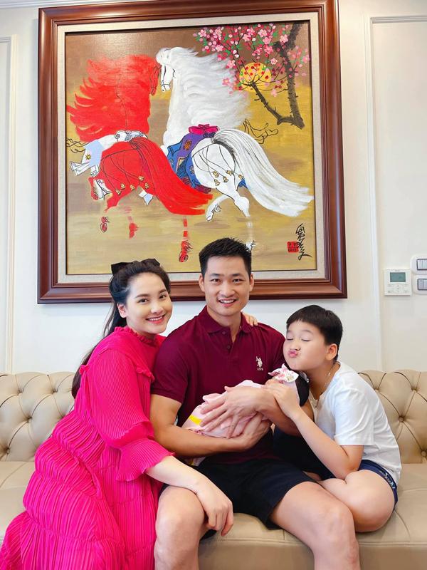 Con gái đầy tháng, Bảo Thanh tiết lộ chuyện mang thai đúng đợt cách ly 21 ngày - Ảnh 3.
