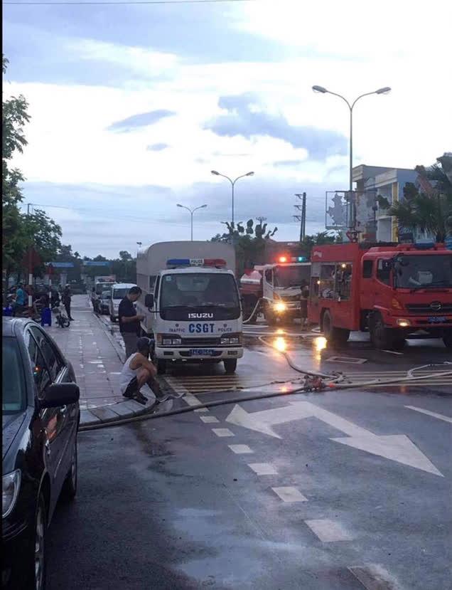 Quảng Ninh: Cháy lớn trong ngôi nhà 4 tầng, một phụ nữ tử vong - Ảnh 1.