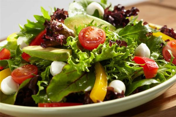 Những món salad vừa ngon vừa đẹp giúp giảm cân - Ảnh 1.