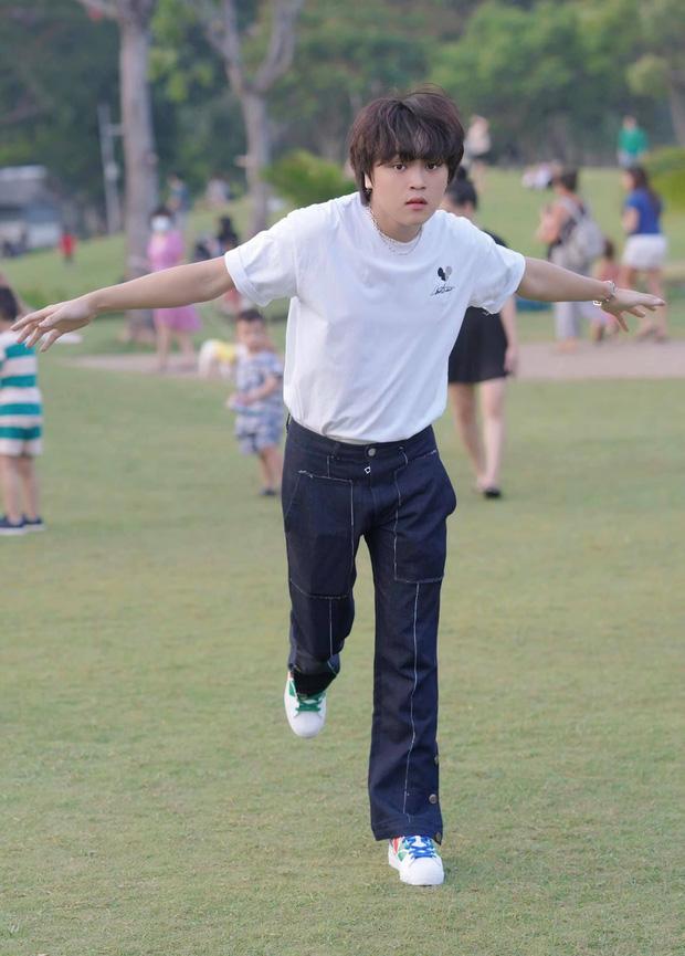 Cuộc sống đối lập của 2 Quán quân Vietnam Idol Kids: Hồ Văn Cường khó khăn thiếu thốn, Thiên Khôi tự chủ tài chính ở tuổi 16 - Ảnh 11.