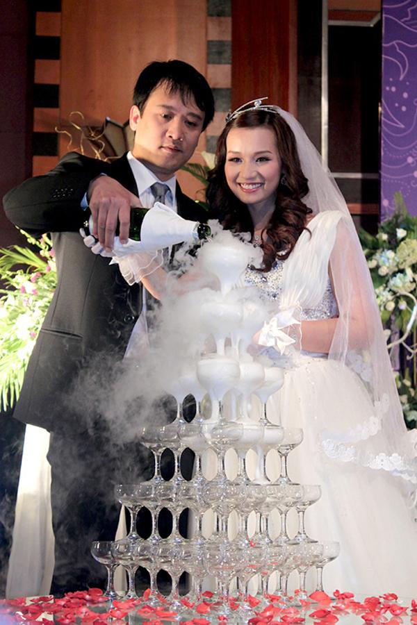 2 ông chồng điểm 10 vừa giàu lại chiều vợ của Bảo Thanh, Lã Thanh Huyền - Ảnh 8.
