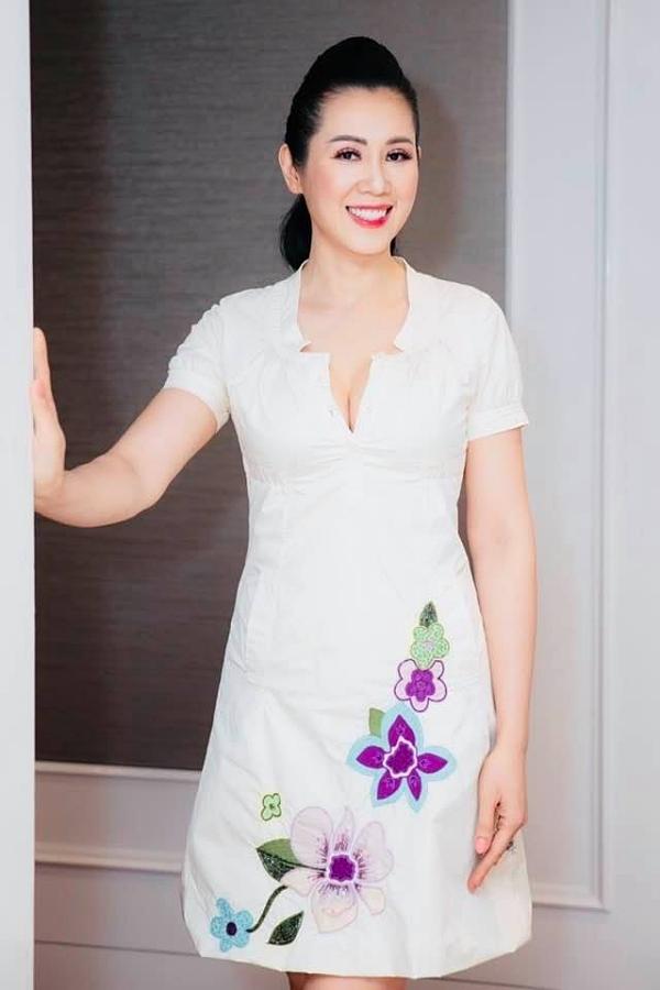 Nhan sắc á hậu Vi Thị Đông tuổi 46 - Ảnh 3.