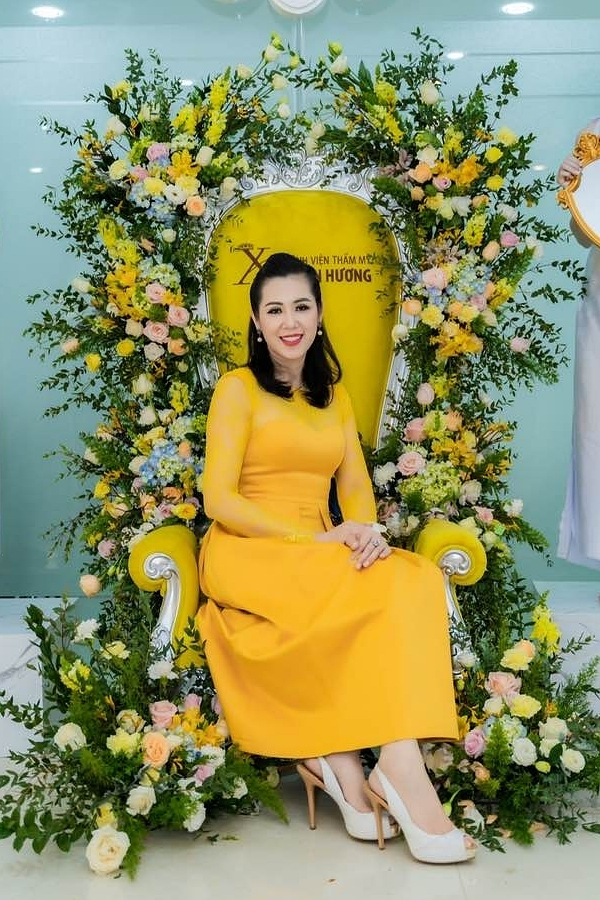 Nhan sắc á hậu Vi Thị Đông tuổi 46 - Ảnh 11.
