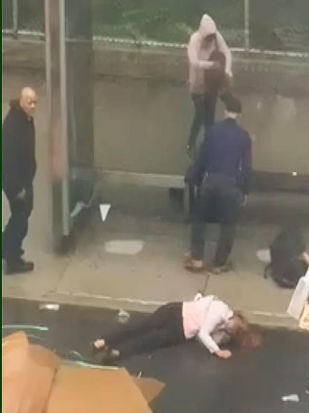 Ghen tuông mù quáng, chồng cầm dùi cui phang tới tấp khiến vợ chết tức tưởi, nhân chứng bất lực chỉ biết đứng nhìn - Ảnh 5.