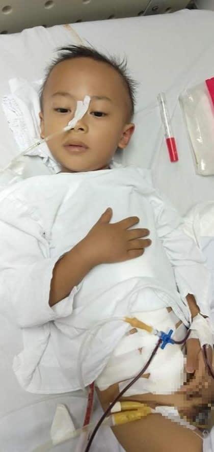 Mẹ bệnh tim, con lại phát hiện bị ung thư khiến gia đình rơi vào cảnh không lối thoát - Ảnh 2.