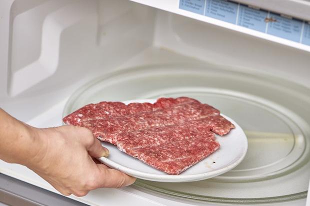 Trữ lạnh thịt - rau mùa giãn cách: Ghim ngay những bí quyết này nếu không muốn rau héo rũ còn thịt mất hết chất - Ảnh 5.