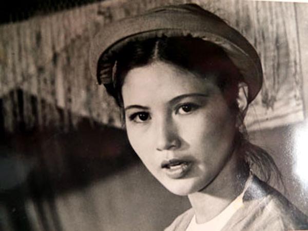 NSƯT Thanh Hiền: Cô Mến Sao tháng Tám bất ngờ lột xác thành bà mẹ chồng đáng ghét trong Mùa hoa tìm lại - Ảnh 3.