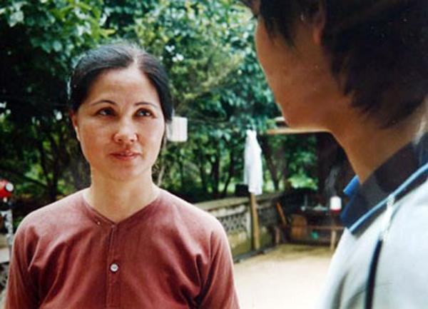 NSƯT Thanh Hiền: Cô Mến Sao tháng Tám bất ngờ lột xác thành bà mẹ chồng đáng ghét trong Mùa hoa tìm lại - Ảnh 4.