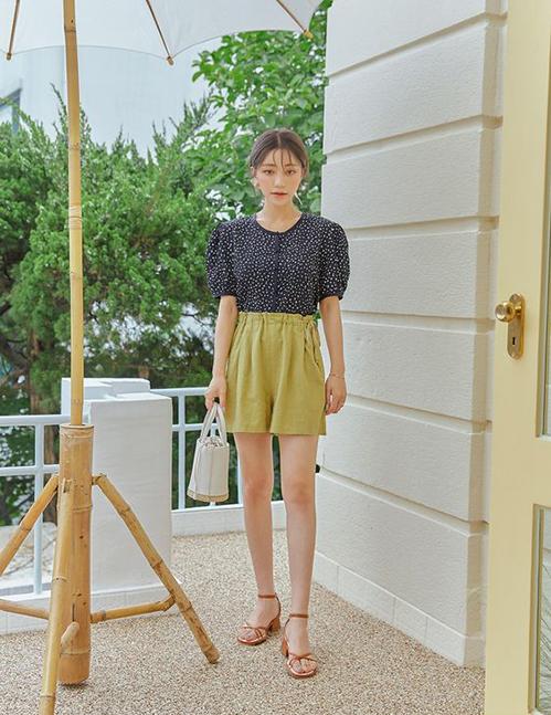 Những kiểu sandal tôn dáng cho set đồ mùa hè - Ảnh 8.