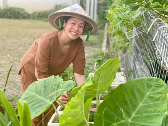 Nhật Kim Anh làm chị nông dân trong ngày giãn cách - Ảnh 8.